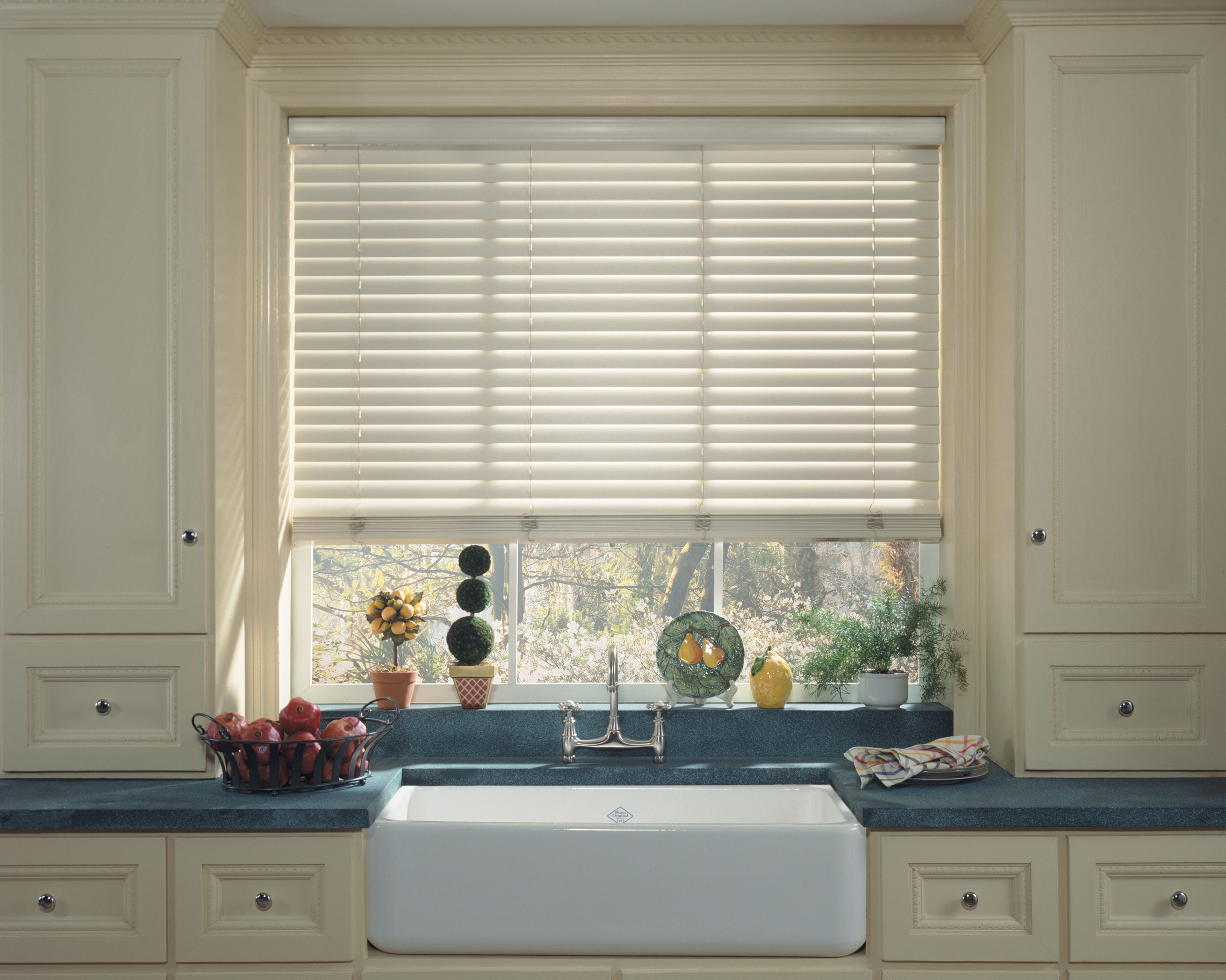 Bathroom venetian blinds