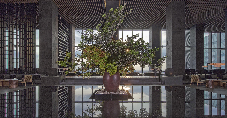 Aman Tokyo - Lobby Lounge-resized1