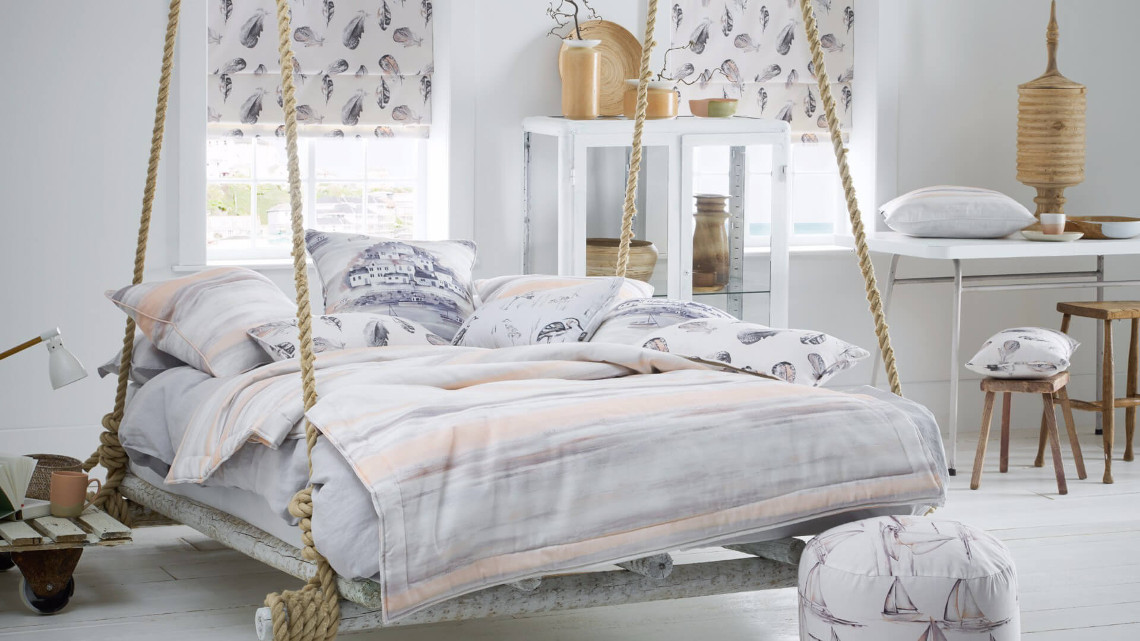 Natural hanging bed in neutral colours